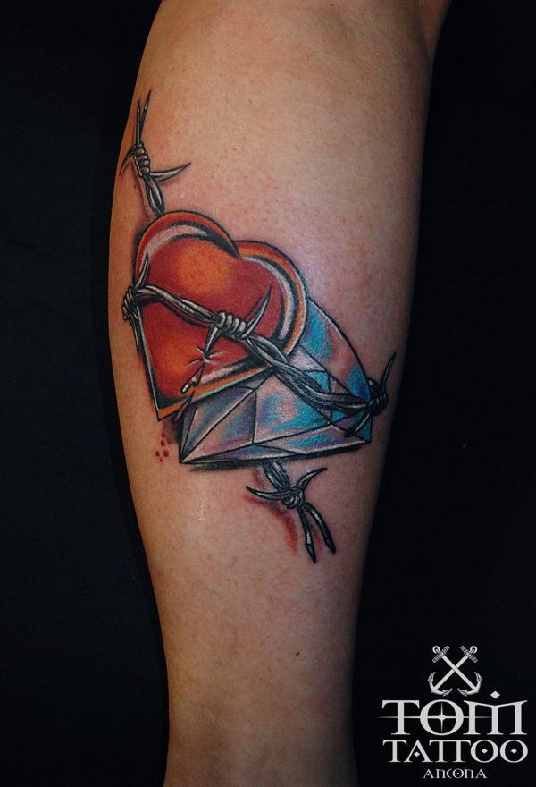 Tatuaggio traditional cuore diamante