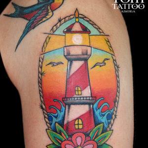Tatuaggio traditional al braccio