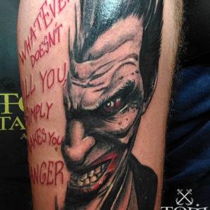 Ritratto di Joker con scritta